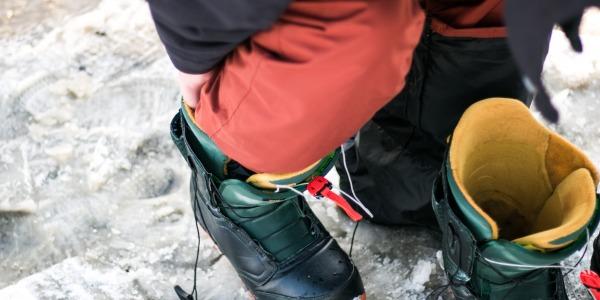Ce trebuie să ştii înainte de a-ţi alege bocancii de snowboard